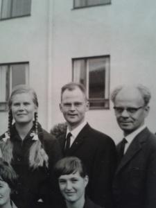 Tshombe, omgiven av Yrsa (som jag långt senare blev kollega med), pastor Jakobsson och en jag inte kommer ihåg!